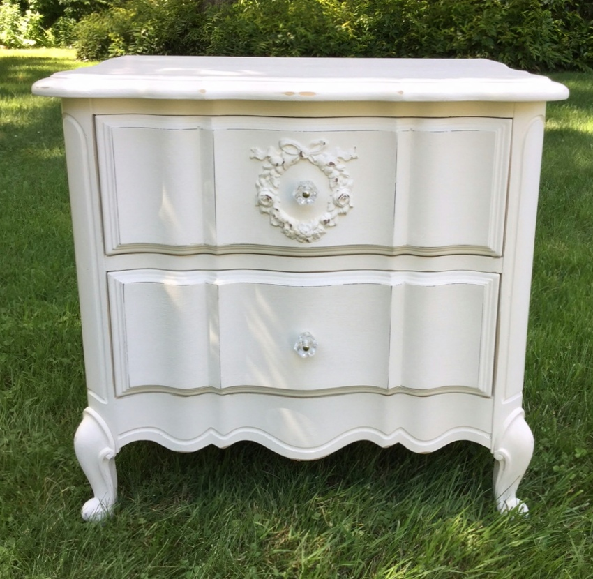 Girls bedroom night stand