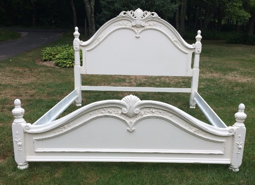 Queen size shabby chic white bed with roses