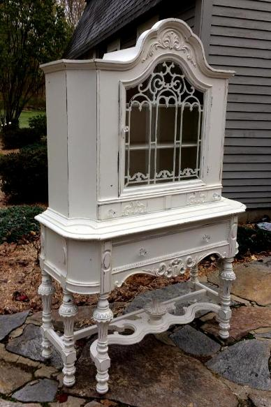 Shabby Chic painted china cabinet