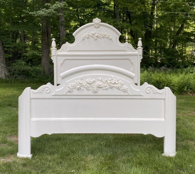 Shabby Chic white bed with roses