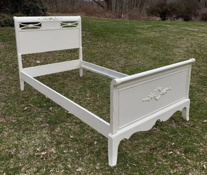 twin bed shabby chic white with roses
