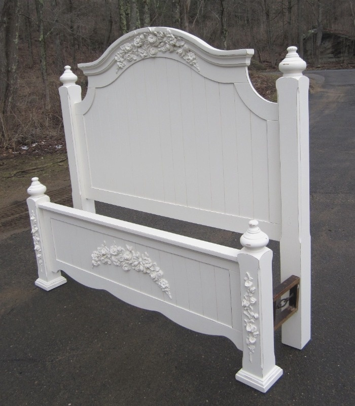 White shabby chic beds 28 images queen full size bed for Kitty corner bed ideas