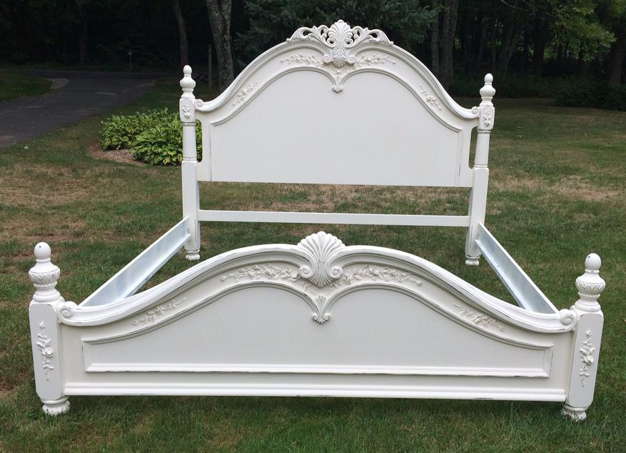 King size white cottage bed