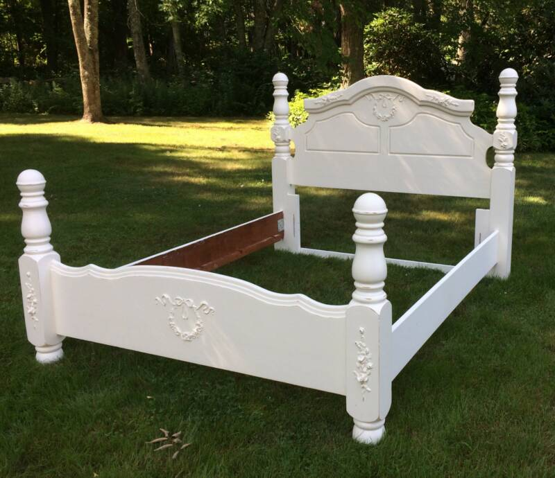 8dcfeebfb206 Queen size shabby chic French Country bed